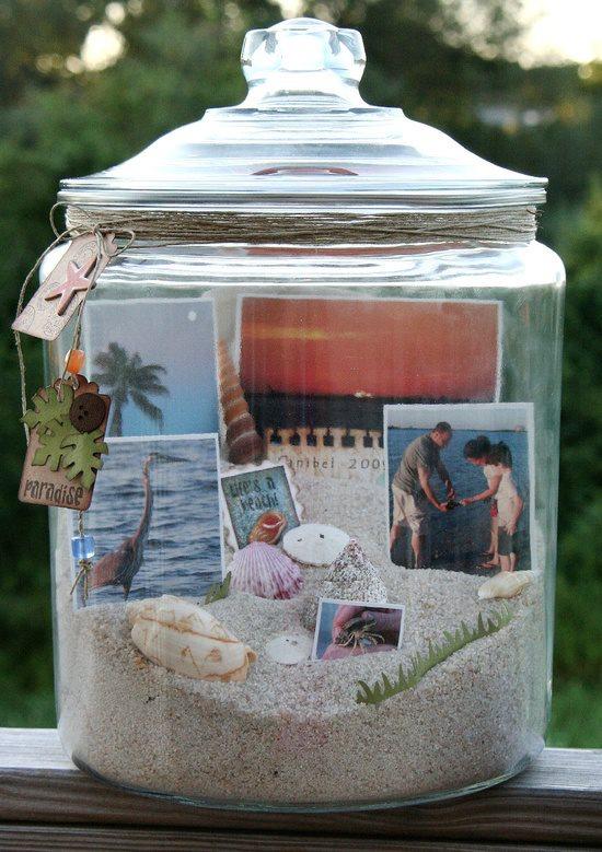 Tarros con fotografías y recuerdos